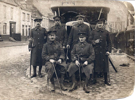 ww1 leyland lorry with personnel